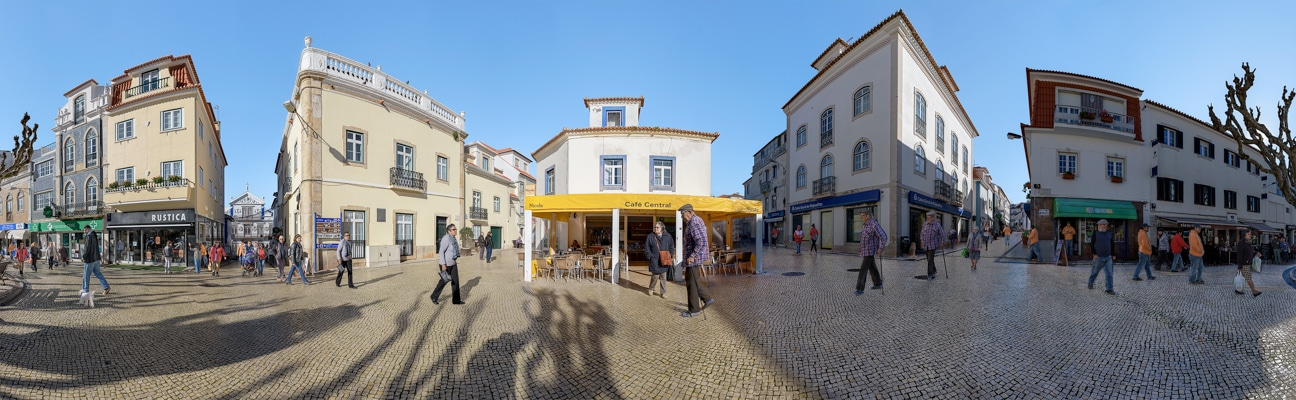 Town Square<br/>Ericeira, Portugal<br/>February 2018
